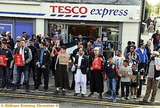 Tesco boycott demo over Gaza – Clarksfield, Oldham, UK